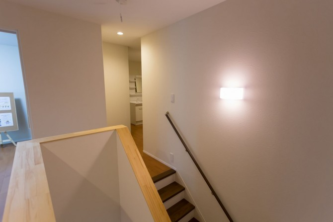 珪藻土階段廊下