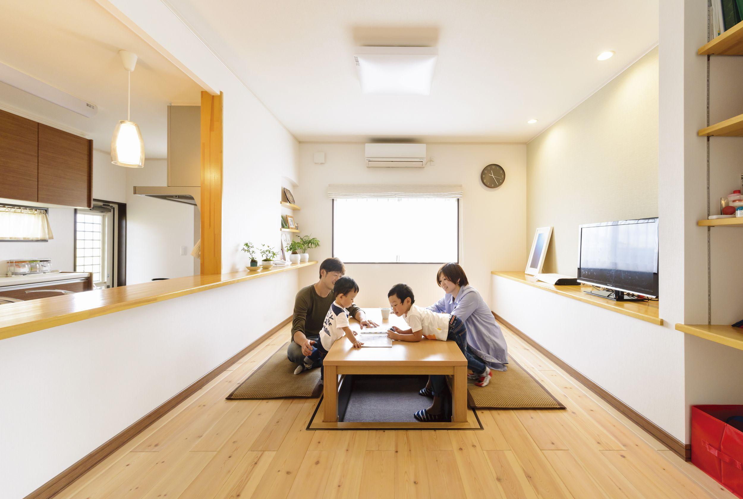大テーブルの似合う家