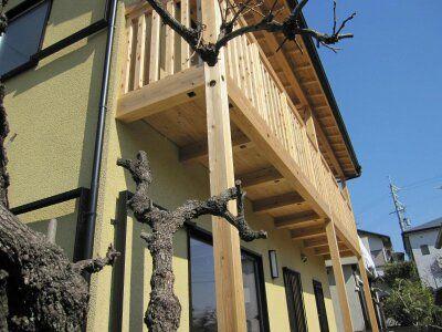 木製ベランダのあるおうち