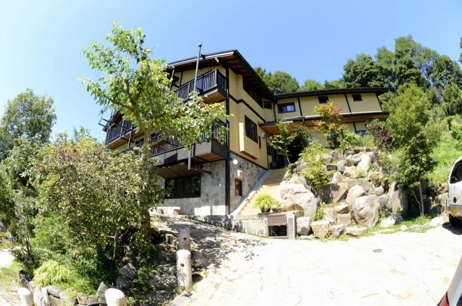 山荘のような趣のある家実例です。