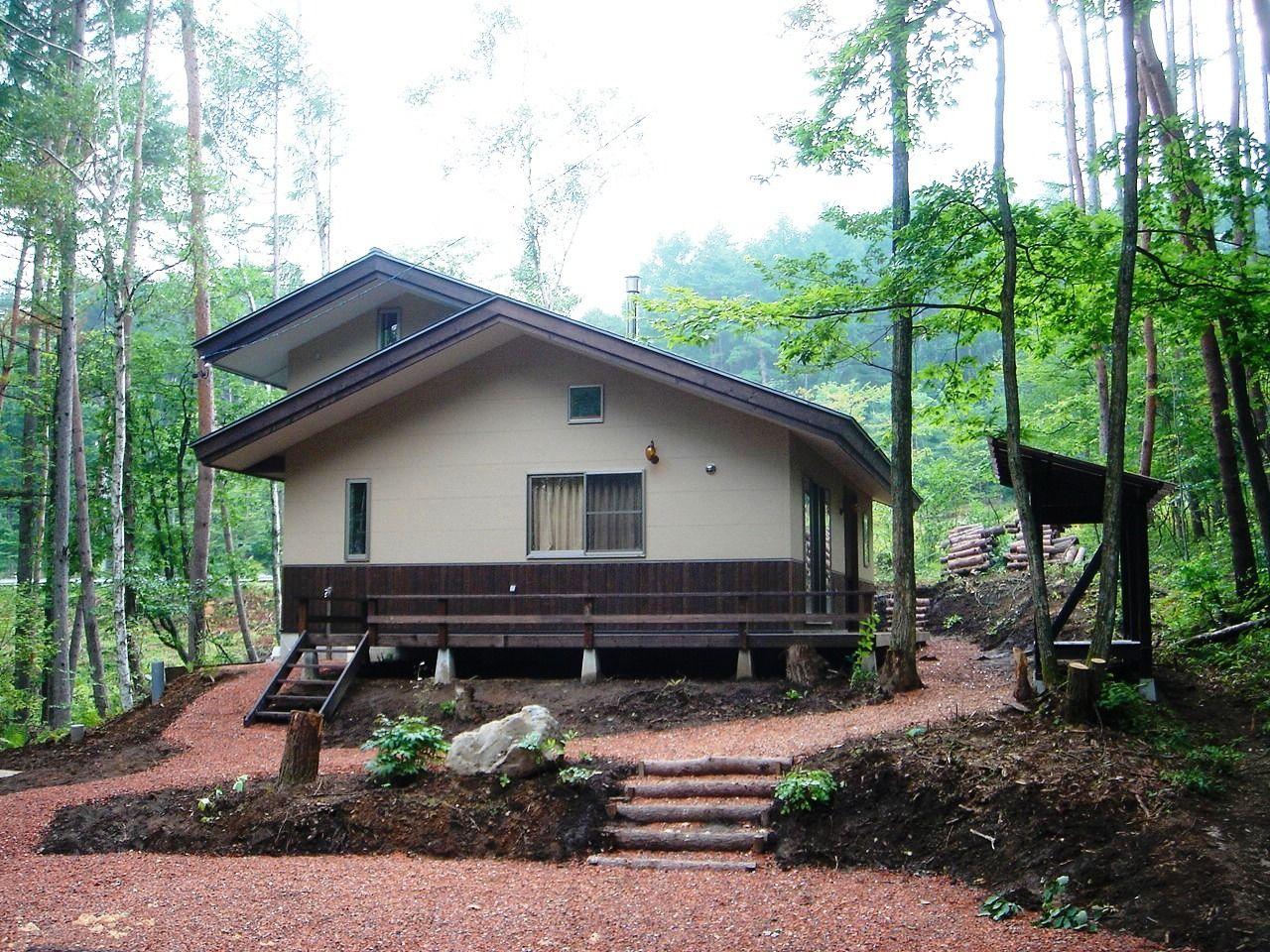 山荘のような趣の家